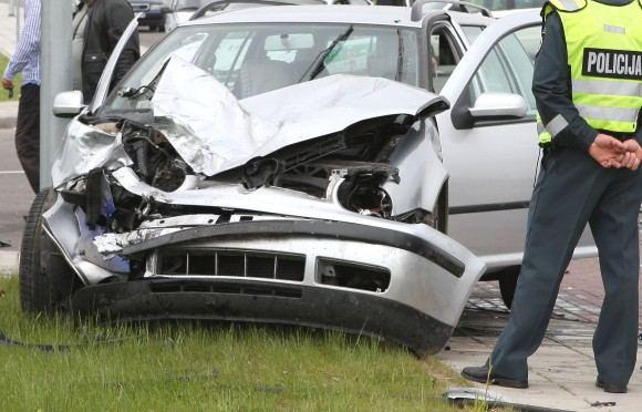 Gintaro Lukoaevičiaus/dienraačio Panevėžio balsas nuotr./Apie motociklo greitį ekspertai galės spręsti ir pagal automobilio apgadinimus.