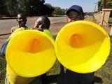 """AFP/""""Scanpix"""" nuotr./Vuvuzela dūdos"""