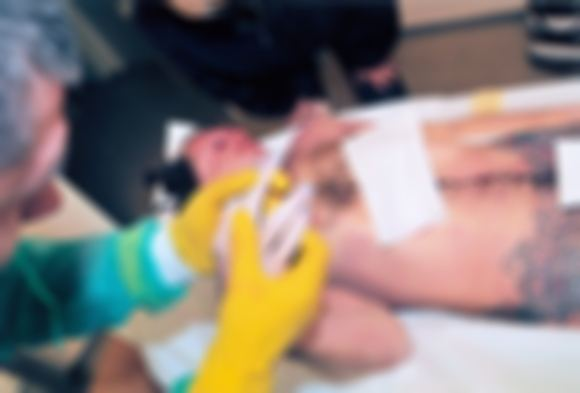 15min.lt archyvo nuotr./Tai bene pati neutraliausia ir dar specialiai retuauota D.Kedžio kūno nuotrauka ia tų, kurias neužmaskuotas demonstruoja kovotojo su pedofilais sekėjai.