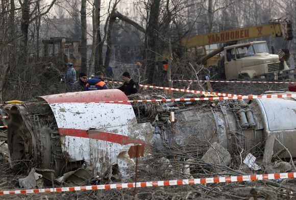 Reuters/Scanpix nuotr./Sudužęs Lecho Kaczynskio lėktuvas