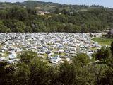 """AFP/""""Scanpix"""" nuotr./Čigonų taboras prie Lurdo"""