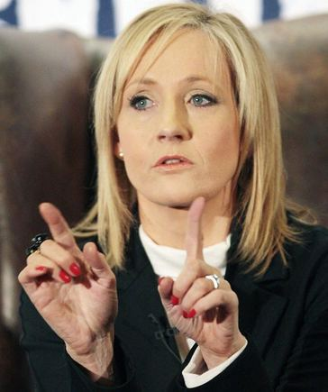 J.K. Rowling: the hands & handprints of the UK author! (Harry Potter) 1283332557jkrowlingafp