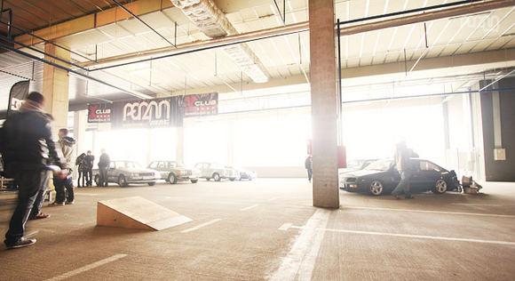VAZZ nuotr./PER4M MAG: Garage Bash 2