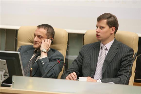 Tiek meras A.Kupčinskas (dešinėje), tiek jaunalietuvis Stanislovas Buškevičius ves savo partijas į kitų metų vasario pabaigoje vyksiančius savivaldybių tarybų rinkimus.