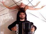 """Festivalio organizatorių nuotr./Duetas iš Italijos, akordeonistas Claudio Jacomucci ir šokėja Kathleen Delaney, pristatys projektą """"Aracne""""."""