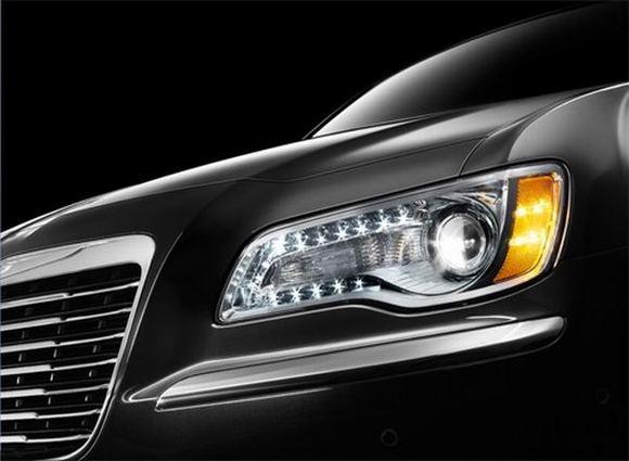 Gamintojo nuotr./Naujojo Chrysler 300C modelio detalės