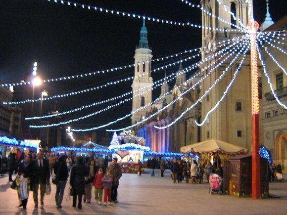 15min.lt skaitytojos Auaros M. nuotr./`ventiniai žiburiai ir kalėdinė mugė Saragosoje (Ispanija)
