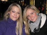 Lauros Gabrilavičiūtės/15min.lt nuotr./Studentės Liina ir Pauliina tikino palaikančios euro įvedimą.