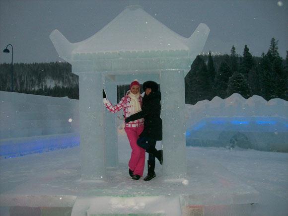 Asm. albumo nuotr./Ledo viešbutis Laplandijoje. Skaistė Steikūnaitė ir Ingrida Kazlauskaitė