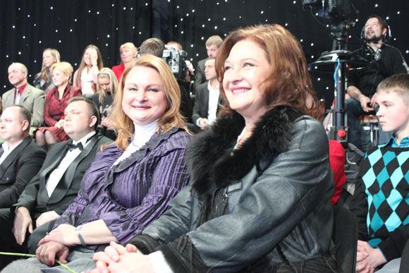 Birutė Petrikytė su antrininke Loreta Šeputiene