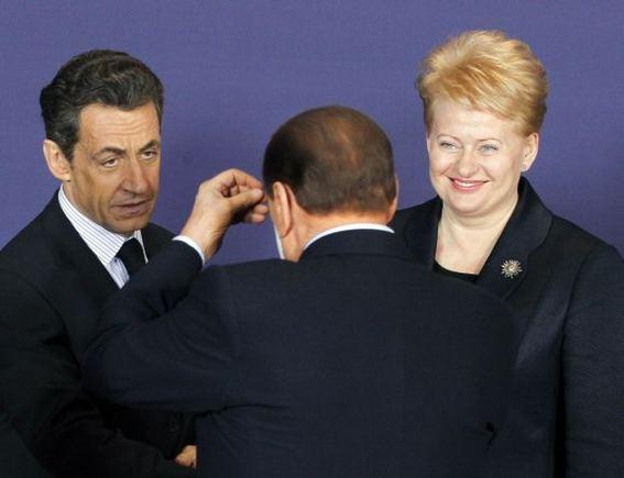 Reuters/Scanpix nuotr./Nicolas Sarkozy, Silvio Berlusconi ir Dalia Grybauskaitė
