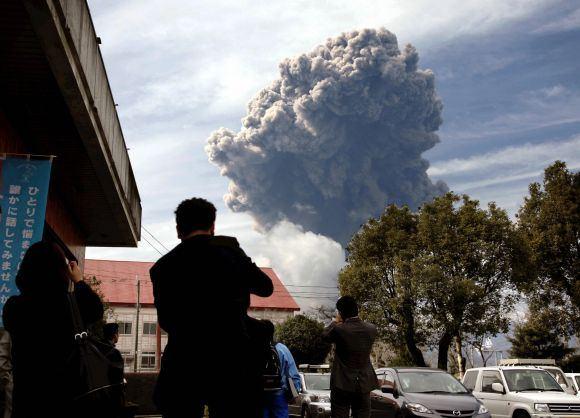 Reuters/Scanpix nuotr./`inmoedakės ugnikalnio iasiveržimas vasario mėnesį