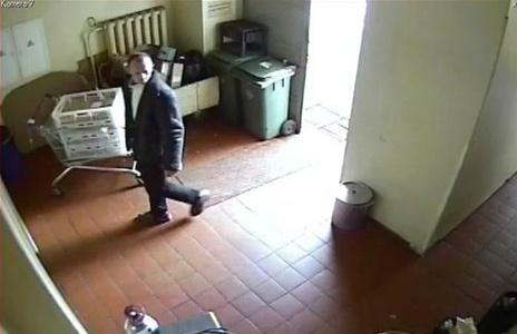 Asm. arch. nuotr./Apsaugos kamerų užfiksuotas įtariamasis.