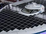 """""""Reuters""""/""""Scanpix"""" nuotr./Ant """"Turanor"""" jachtos įrengti maždaug 536 kvadratiniai metrai saulės elementų."""