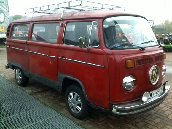 Asmeninio archyvo nuotr./Volkswagen T2  priea restauraciją