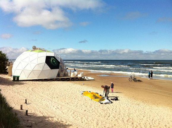 15min nuotr./L.Karaliaus kavinė ant jūros kranto sulaukė tikrintojų.