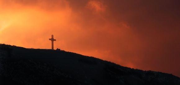 123rf.com nuotr./Makedoniečių pasididžiavimas - kryžius ant Vodno kalno, matomas ir už 80 kilometrų.