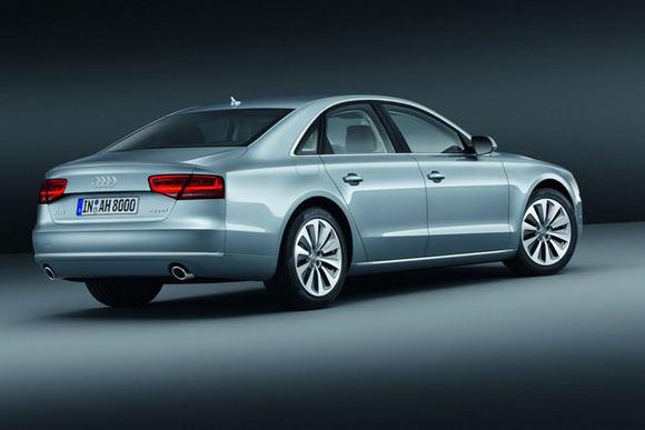 Gamintojo nuotr./2012-ųjų Audi A8 Hybrid