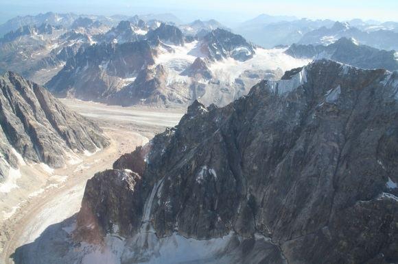 L.Mackevičiaus nuotr./Kalnai ia lėktuvo