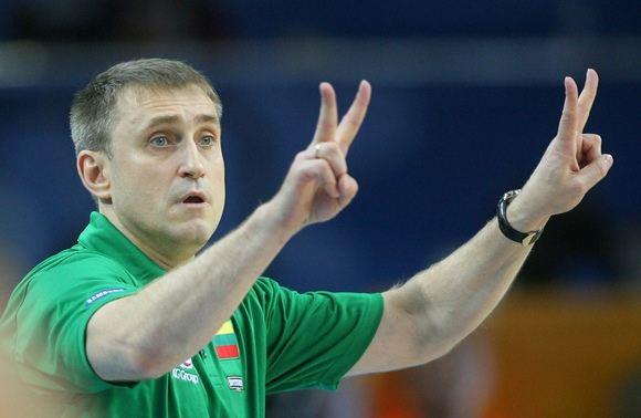 AFP/Scanpix nuotr./Lietuvos vyrų krepainio rinktinės treneris Kęstutis Kemzūra