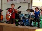"""""""Youtube"""" TOP-as: 8-10 metų vaikai gyvai sugrojo grupės """"Metallica"""" dainą """"Enter Sandman"""""""