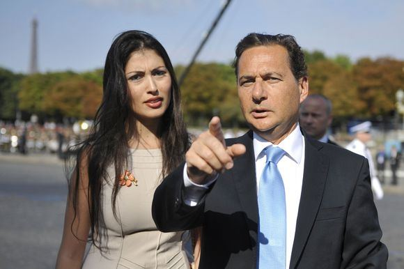 Ericas Bessonas su žmona Yasmine