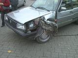 Įvykio liudininko Vaido nuotr./Bėglio apgadintas automobilis