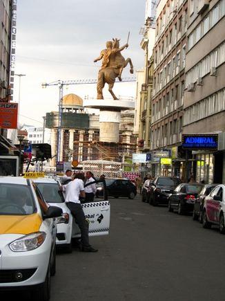 M.Podnieces nuotr./Aleksandro Makedoniečio skulptūra miesto centre