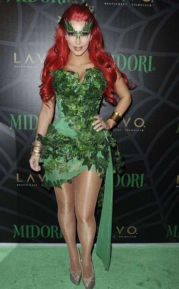 Scanpix nuotr./Kim Kardashian su Nuodingosios Gebenės kostiumu