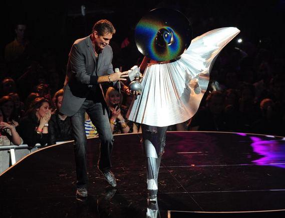AFP/Scanpix nuotr./Lady Gaga (deainėje) ir Davidas Hasselhoffas