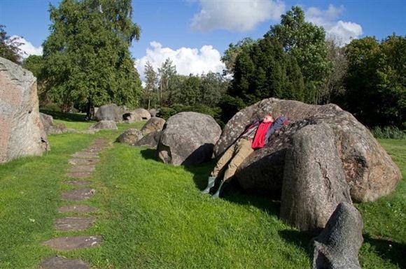 K.Stalnionytės nuotr./Akmenys Mosėdžio akmenų muziejaus parke