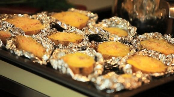 BTV nuotr./Marijos Silickajos gamintas bulvių patiekalas