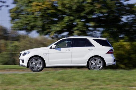 Gamintojo nuotr./Mercedes-Benz ML63 AMG  4,7 sek. iki aimto