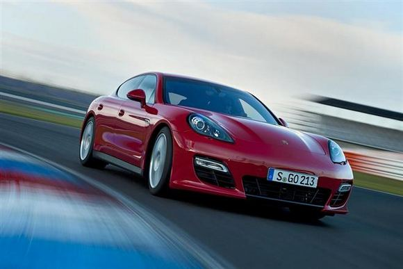 Gamintojo nuotr./Porsche Panamera GTS