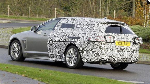 Gamintojo nuotr./Jaguar XF universalo prototipas