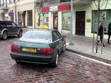 Vilkmerge.lt nuotr./Taksi automobilis, kurio keleiviai įsivėlė į konfliktą