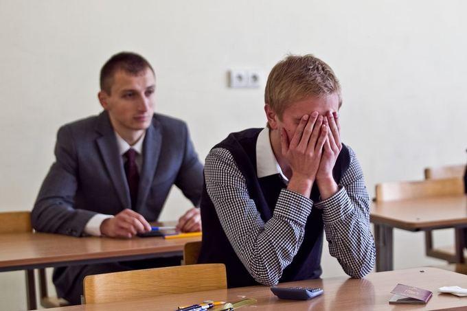 Kitąmet visų abiturientų laukia vienodas lietuvių kalbos ir literatūros egzaminas.