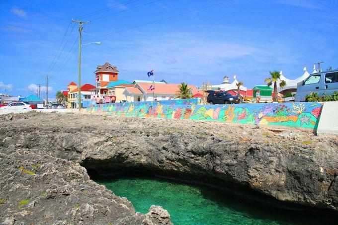 Wikimedia Commons nuotr./Kaimanų salos