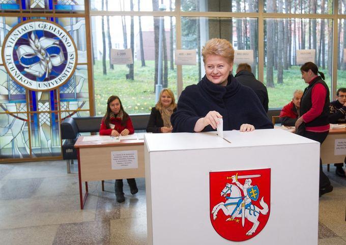 President Dalia Grybauskaitė casts her vote on Sunday morning