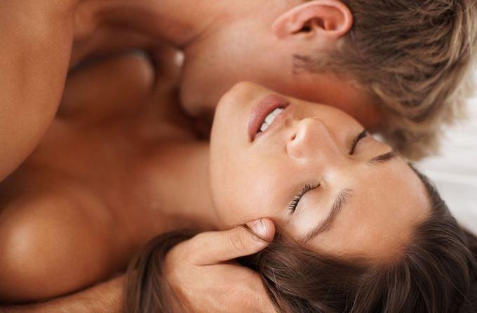 Постельные беседы: 10 правил в разговорах про секс.