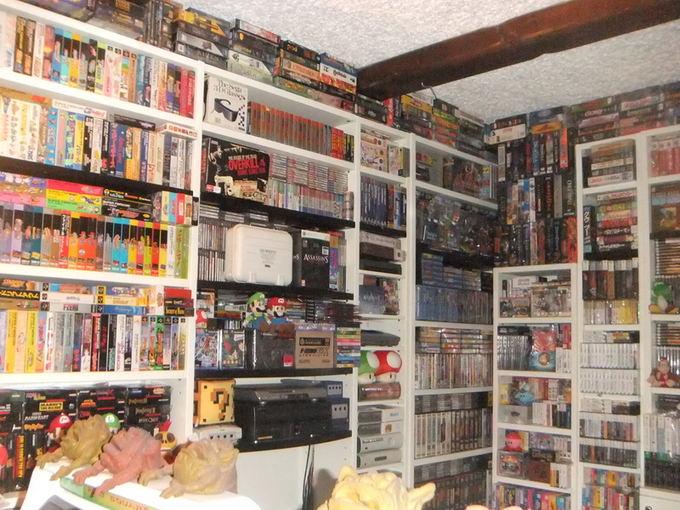 Italo kolekcijoje galima rasti net 6850 žaidimų, 330 skirtingų žaidimų konsolių, apie 220 valdymo pultų, aksesuarų, reklaminės medžiagos ir kitokių įdomybių.