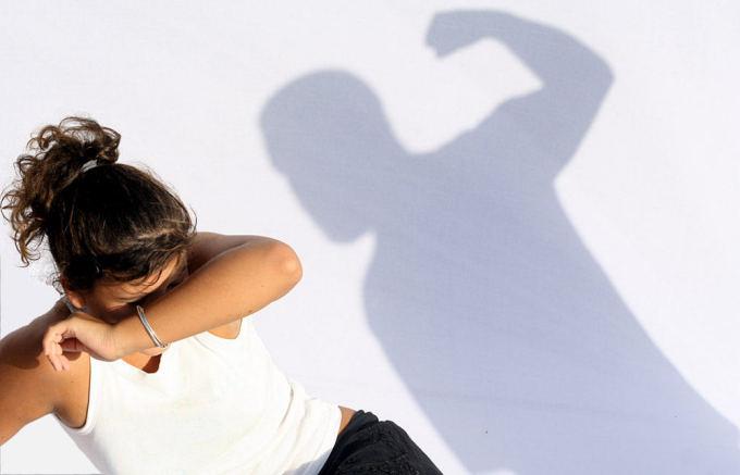 Smurtas priea moterį