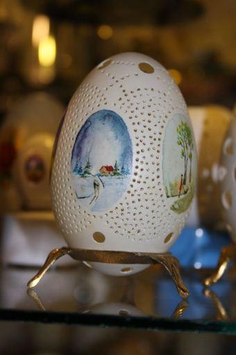 Drawn and cut eggshell