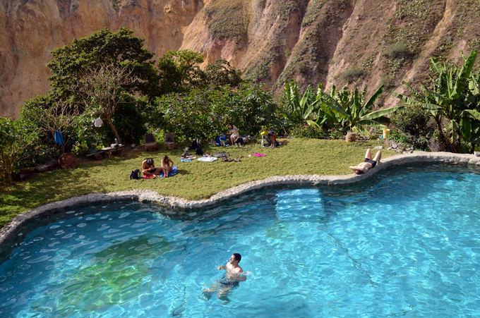Lost Latinos nuotr. /Įspūdinga poilsio vieta su baiseinu kalnuose