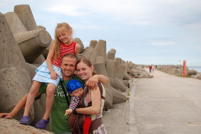 Aistė ir Darius Ruzgai su vaikais