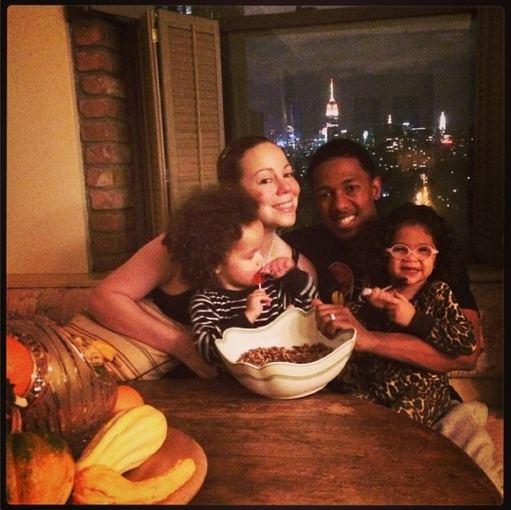 """""""Instagram"""" nuotr./Mariah Carey su vyru Nicku Cannonu ir vaikais"""