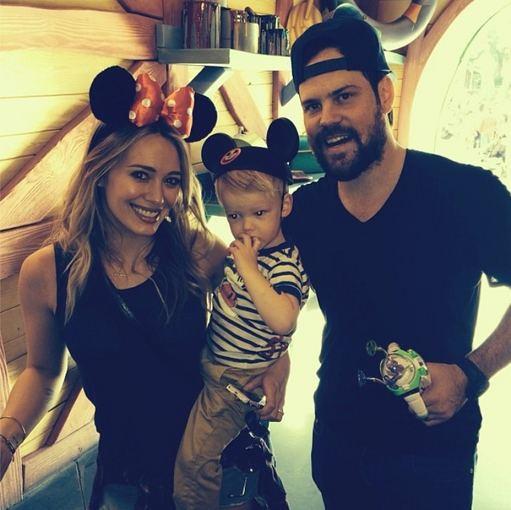 """Instagram"" nuotr./Hilary Duff ir Mike'as Comrie su sūnumi Luca"