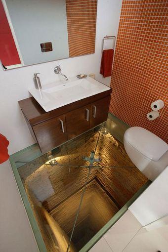 Dizainerio Hernandezo Silvos kurtas vonios interjeras