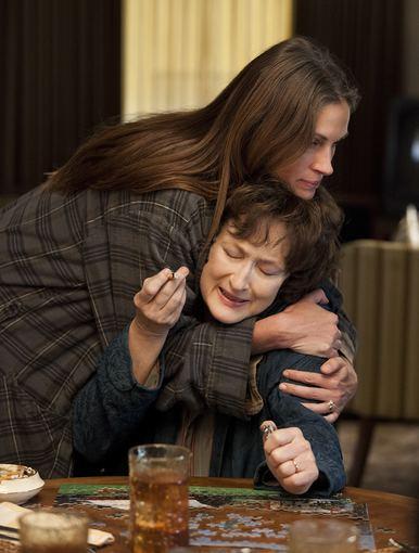"""Kadras iš filmo/Julia Roberts ir Meryl Streep filme """"Šeimos albumas: rugpjūtis"""""""