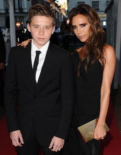 """""""Scanpix""""/""""Sipa Press"""" nuotr./Davido Beckhamo ir Victorios Beckham sūnus Brooklynas švenčia 15-ąjį gimtadienį"""